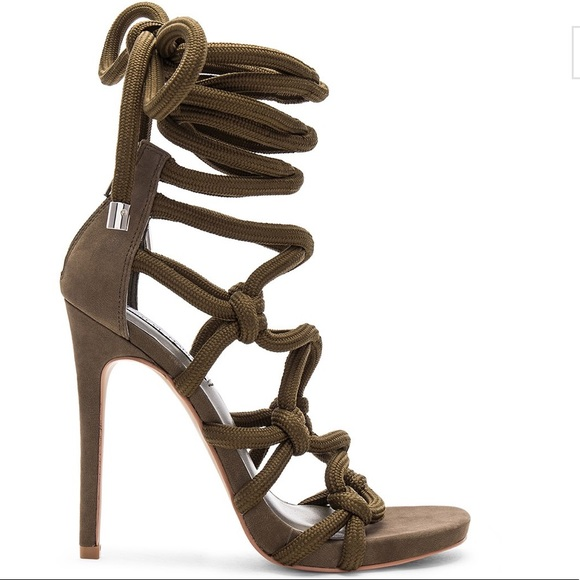 b3e27317563 NWTIB Steve Madden Dream Nubuck Ankle Tie Sandals